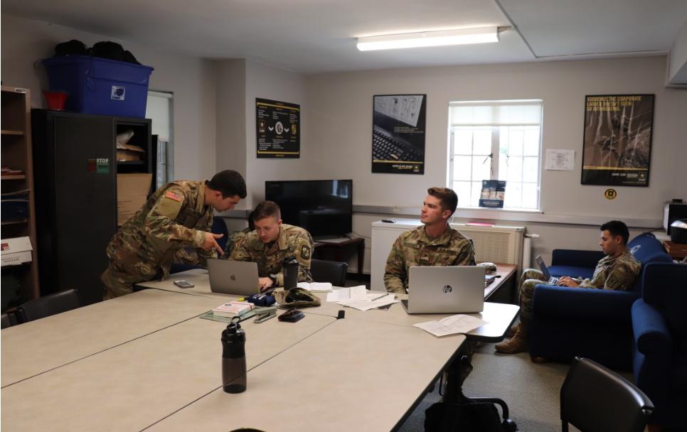 UCONN MSIV Cadets at Senior Week